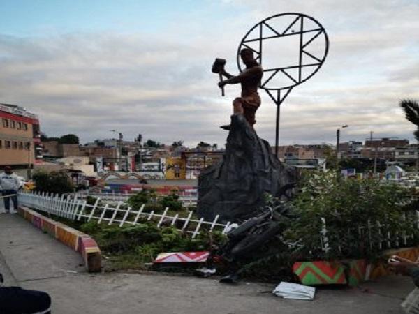 Joven murió tras estrellarse contra monumento en Ipiales