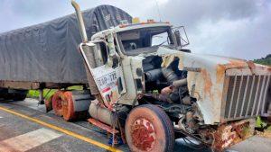 Falleció Juan Miguel, el conductor herido con la mula remolcada por la vía marítima, Valle del Cauca - Noticias de Colombia